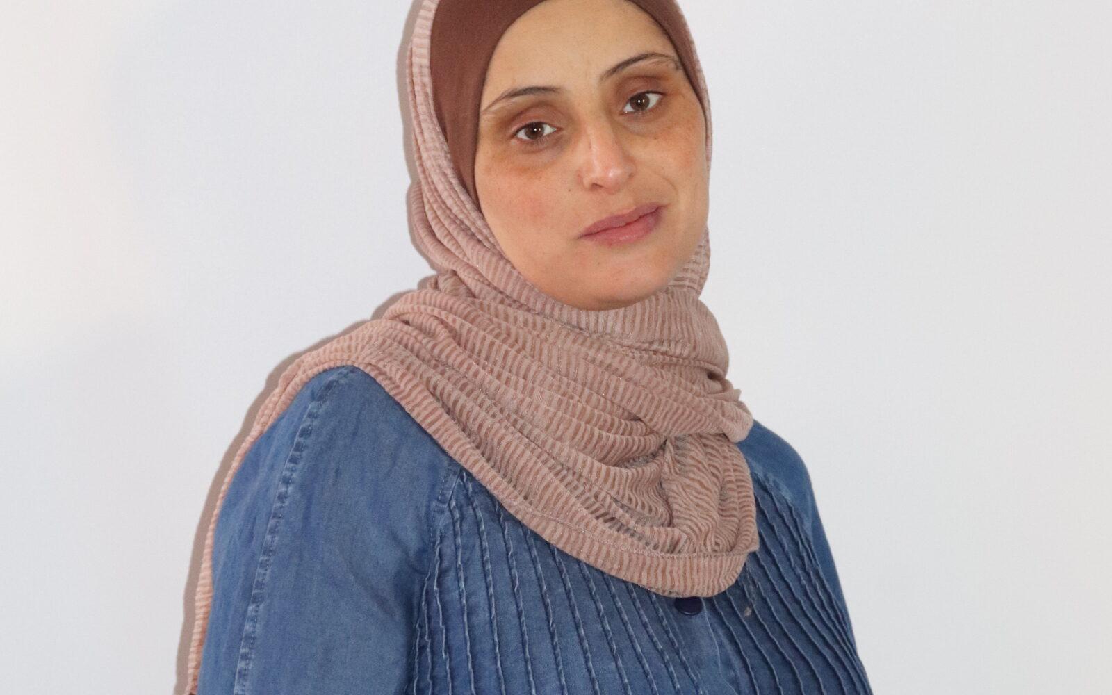 Eman, eine trauernde Mutter, die zwischen den Zeilen des Schmerzes Hoffnung fand
